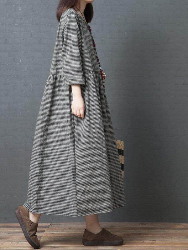 Класическое платье в черную клетку