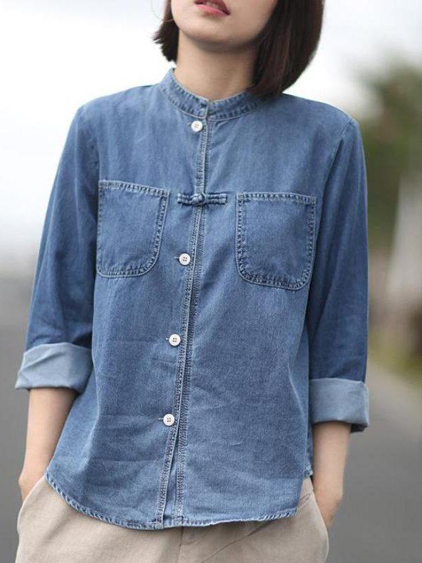 Джинсовая рубашка на пуговицах и с карманами